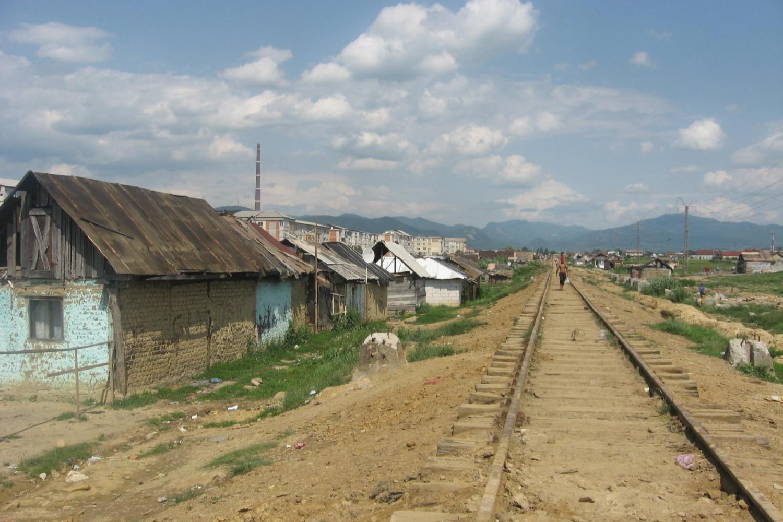 Cale ferată într-un sat sărac