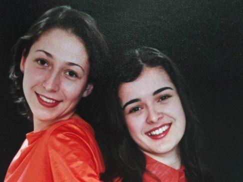 Fotografii din arhiva personală a lui Damaris Ștef. Stânga: Damaris Ștef. Dreapta: Ioana Opriță.