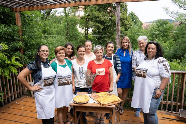 membrele asociației Vecinătății Femeilor din Saschiz
