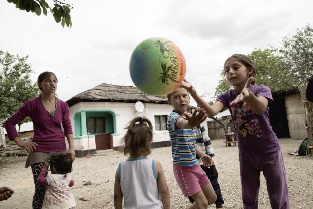 Copii cu mingea