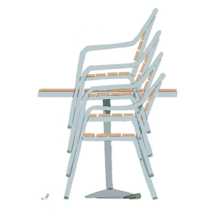 ilustrație scaune de terasă așezate unul peste altul