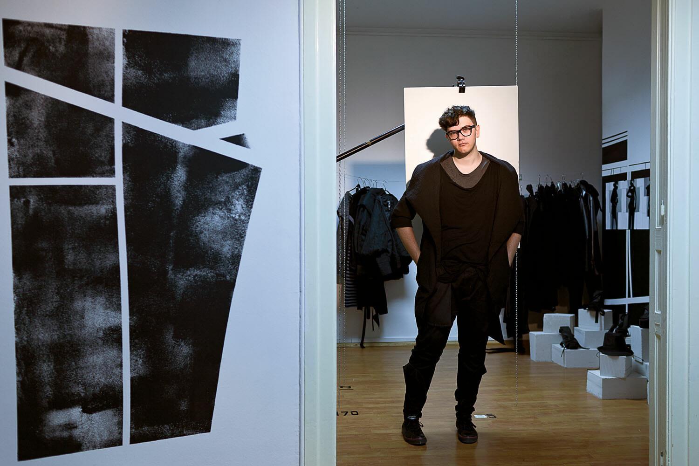 Lucian Broscăţean, designer și preparator universitar