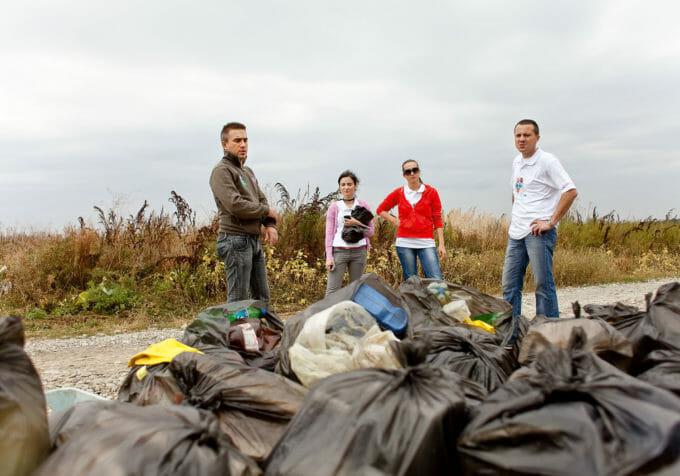 E echipă de curățenie la LDIR 2010