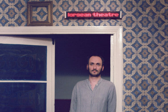 Jean-Lorin Sterian, fotografiat în casa sa