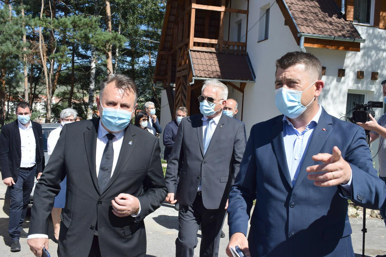 Nalu Tătaru în vizită la spital în Miercurea Ciuc