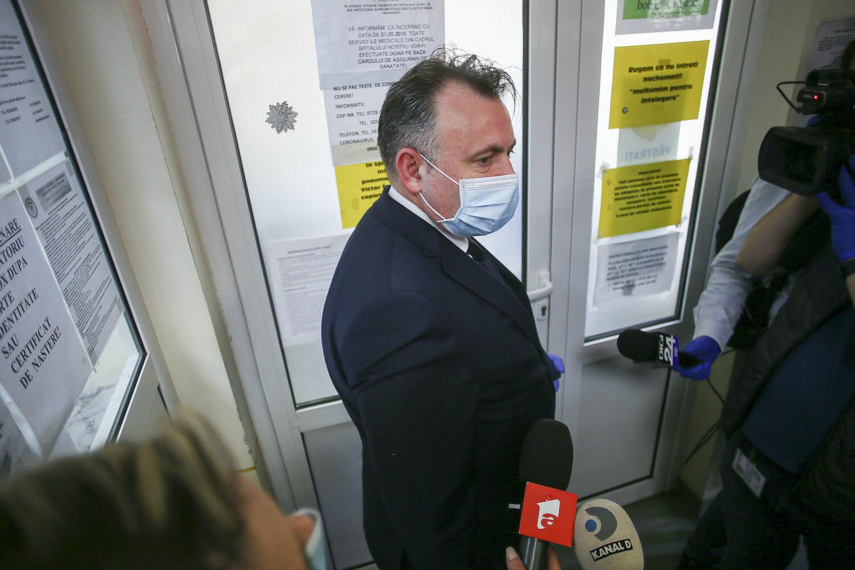 Nelu Tataru in vizita la spitalul de Boli Infectioase Victor Babes, joi 23 aprilie 2020, Timisoara.