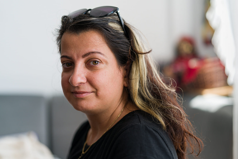 Portret cu Anca Nica, E-Romnja