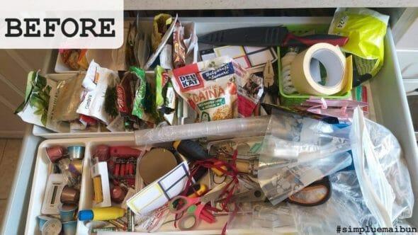 un sertar înainte de organizare