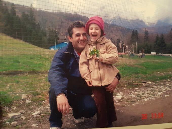 Ioana în copilărie și tatăl ei