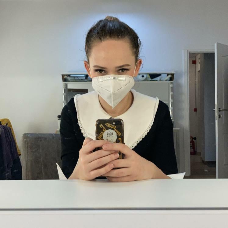 Selfie în oglindă cu Silvana la teatru