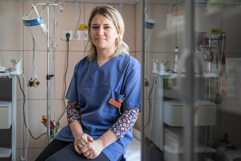 Dr. Cătălina Comșa la cabinetul ei din Comăna.