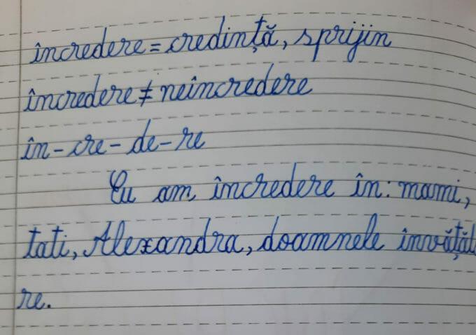 """O pagină de caiet tip unu pe care scrie """"Eu am încredere în: mami, tati, Alexandra, doamnele învățătoare""""."""